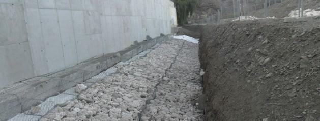 Proyecto de corrección de patologías en el muro de contención del campo de fútbol del Arroyo de Benagalbón (FASE II).